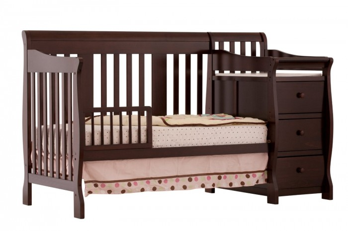 4in1 Convertible Crib and Changer Review